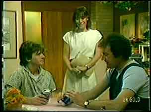 Danny Ramsay, Maria Ramsay, Max Ramsay in Neighbours Episode 0055