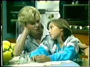 Helen Daniels, Lucy Robinson in Neighbours Episode 0056