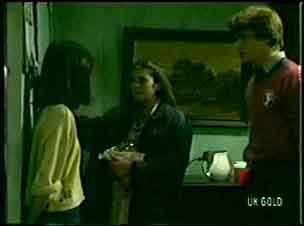 Kim Taylor, Josie, Scott Robinson in Neighbours Episode 0056