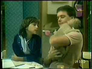 Lucy Robinson, Paul Robinson, Basil in Neighbours Episode 0056