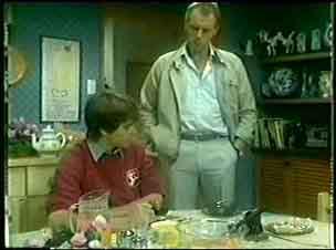 Jim Robinson, Paul Robinson in Neighbours Episode 0057