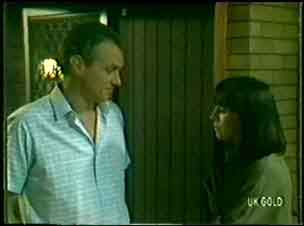 Jim Robinson, Maria Ramsay in Neighbours Episode 0058