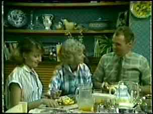 Julie Robinson, Helen Daniels, Jim Robinson in Neighbours Episode 0058