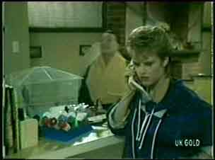 Squawker, Harry Henderson, Daphne Lawrence in Neighbours Episode 0059