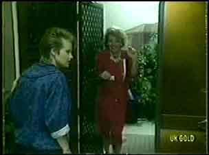 Daphne Lawrence, Cleo Jones in Neighbours Episode 0059