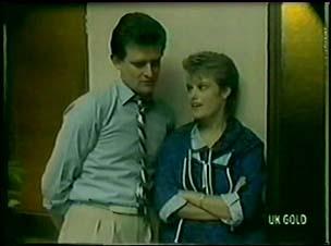 Des Clarke, Daphne Lawrence in Neighbours Episode 0060