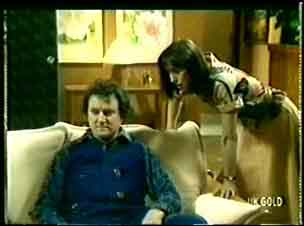 Max Ramsay, Maria Ramsay in Neighbours Episode 0061