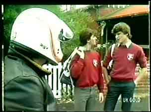 Pete Sherwin, Danny Ramsay, Scott Robinson in Neighbours Episode 0061