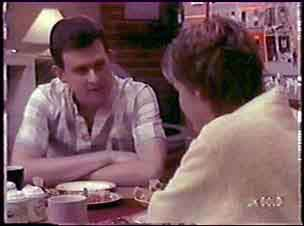 Des Clarke, Daphne Clarke in Neighbours Episode 0064