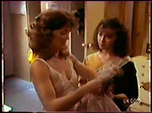 Emily Slater, Gloria Slater in Neighbours Episode 0070