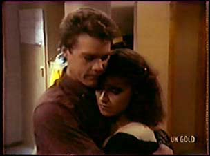Paul Robinson, Gloria Slater in Neighbours Episode 0070