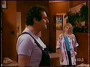 Max Ramsay, Terry Inglis in Neighbours Episode 0070