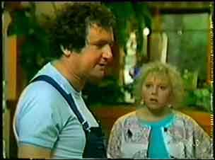 Max Ramsay, Terry Inglis in Neighbours Episode 0071