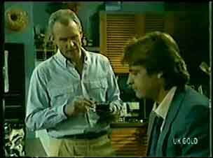 Jim Robinson, Shane Ramsay in Neighbours Episode 0071