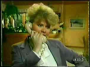 Linda Fielding in Neighbours Episode 0071