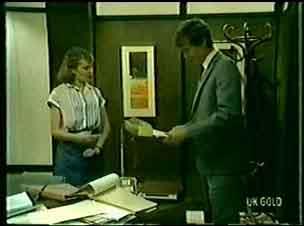 Julie Robinson, Philip Martin in Neighbours Episode 0072