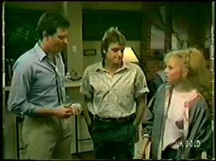 Des Clarke, Shane Ramsay, Terry Inglis in Neighbours Episode 0073