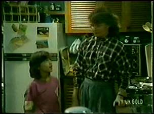 Lucy Robinson, Julie Robinson in Neighbours Episode 0073