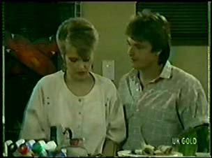 Daphne Lawrence, Shane Ramsay in Neighbours Episode 0073