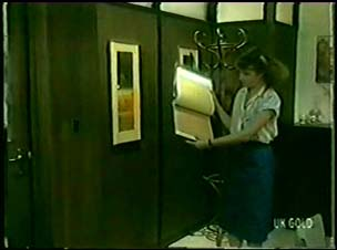 Julie Robinson in Neighbours Episode 0073