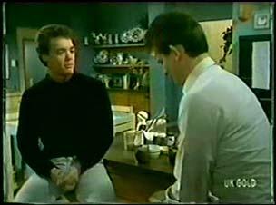 Paul Robinson, Des Clarke in Neighbours Episode 0073