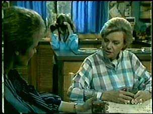 Daphne Clarke, Helen Daniels, Lucy Robinson in Neighbours Episode 0075