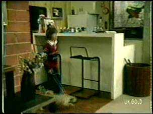 Lucy Robinson in Neighbours Episode 0075