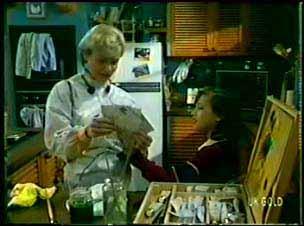Helen Daniels, Lucy Robinson in Neighbours Episode 0076