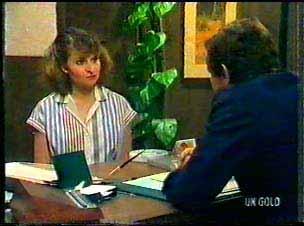 Julie Robinson, Philip Martin in Neighbours Episode 0077