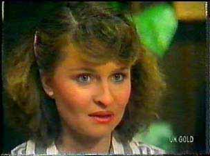 Julie Robinson in Neighbours Episode 0077