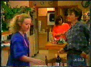 Wendy Gibson, Maria Ramsay, Danny Ramsay in Neighbours Episode 0077