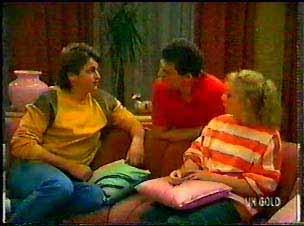 Shane Ramsay, Des Clarke, Terry Inglis in Neighbours Episode 0077