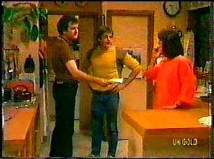 Max Ramsay, Shane Ramsay, Maria Ramsay in Neighbours Episode 0077