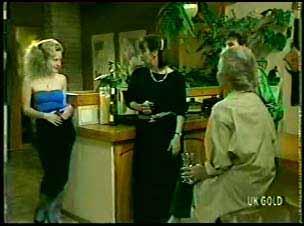 Wendy Gibson, Maria Ramsay, Helen Daniels, Danny Ramsay in Neighbours Episode 0078