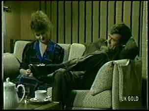 Julie Robinson, Philip Martin in Neighbours Episode 0078
