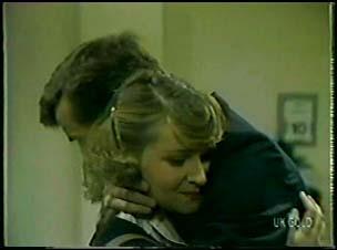 Julie Robinson, Philip Martin in Neighbours Episode 0079