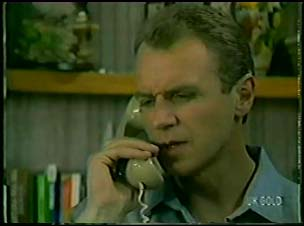 Jim Robinson in Neighbours Episode 0079