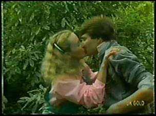 Wendy Gibson, Scott Robinson in Neighbours Episode 0080