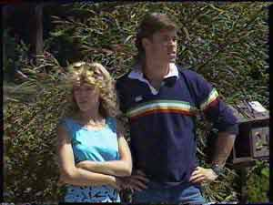 Charlene Mitchell, Mike Young in Neighbours Episode 0429