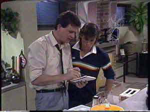 Des Clarke, Mike Young in Neighbours Episode 0429