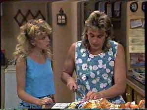 Charlene Mitchell, Shane Ramsay in Neighbours Episode 0429