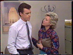 Paul Robinson, Helen Daniels in Neighbours Episode 0430