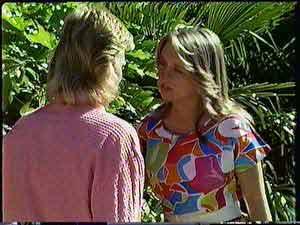 Scott Robinson, Sue Parker in Neighbours Episode 0431