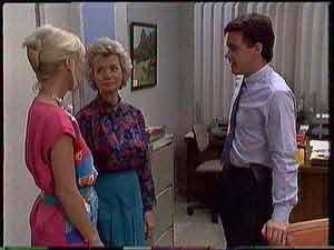 Rosemary Daniels, Paul Robinson, Helen Daniels in Neighbours Episode 0431