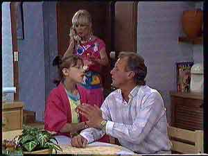 Lucy Robinson, Rosemary Daniels, Jim Robinson in Neighbours Episode 0432