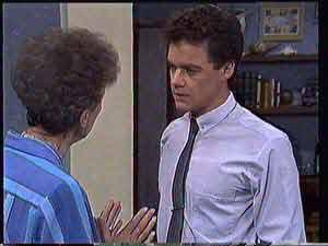 Nell Mangel, Paul Robinson  in Neighbours Episode 0432