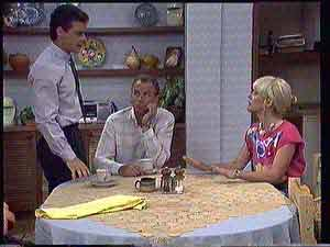 Paul Robinson, Jim Robinson, Rosemary Daniels in Neighbours Episode 0432