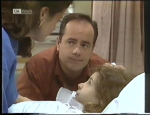 Philip Martin, Hannah Martin  Julie Robinson in Neighbours Episode 1826