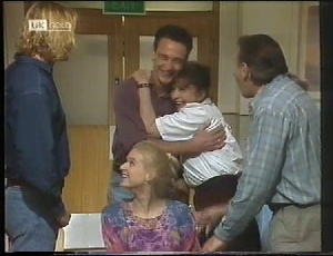 Brad Willis, Stephen Gottlieb, Pam Willis, Doug Willis, Phoebe Bright in Neighbours Episode 1826