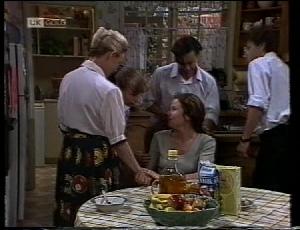 Helen Daniels, Debbie Martin, Julie Robinson, Rick Alessi, Michael Martin in Neighbours Episode 1852